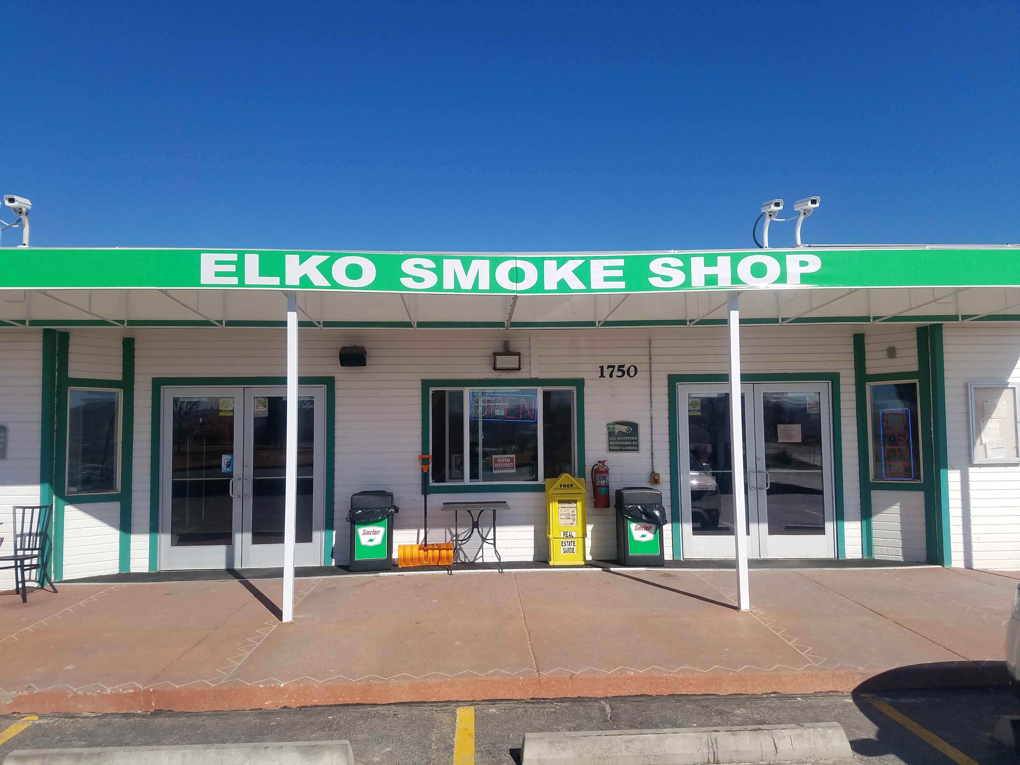 Image of Smoke Shop-front